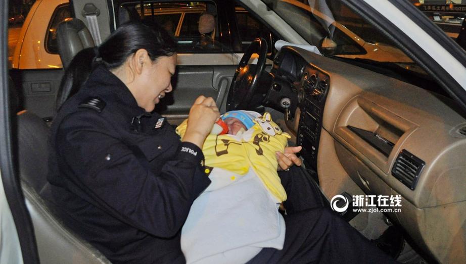 最美路人图片征集|感动 女警喂奶救弃婴