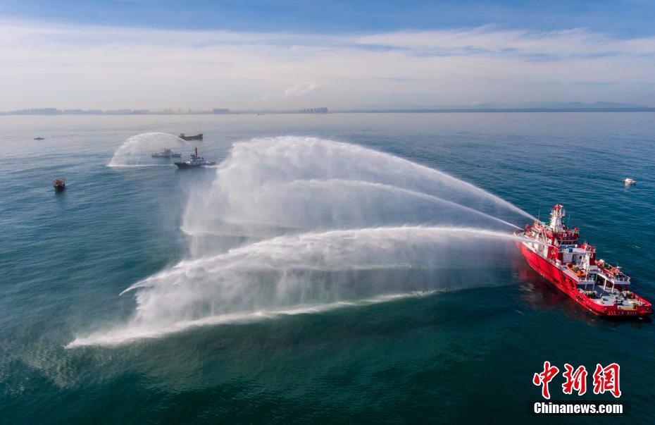 洋浦海上搜救分中心组织开展商渔船碰撞应急处置演习