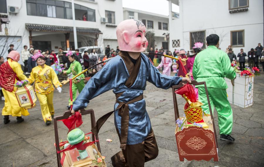临安:舞动民俗文化 祈福国泰民安