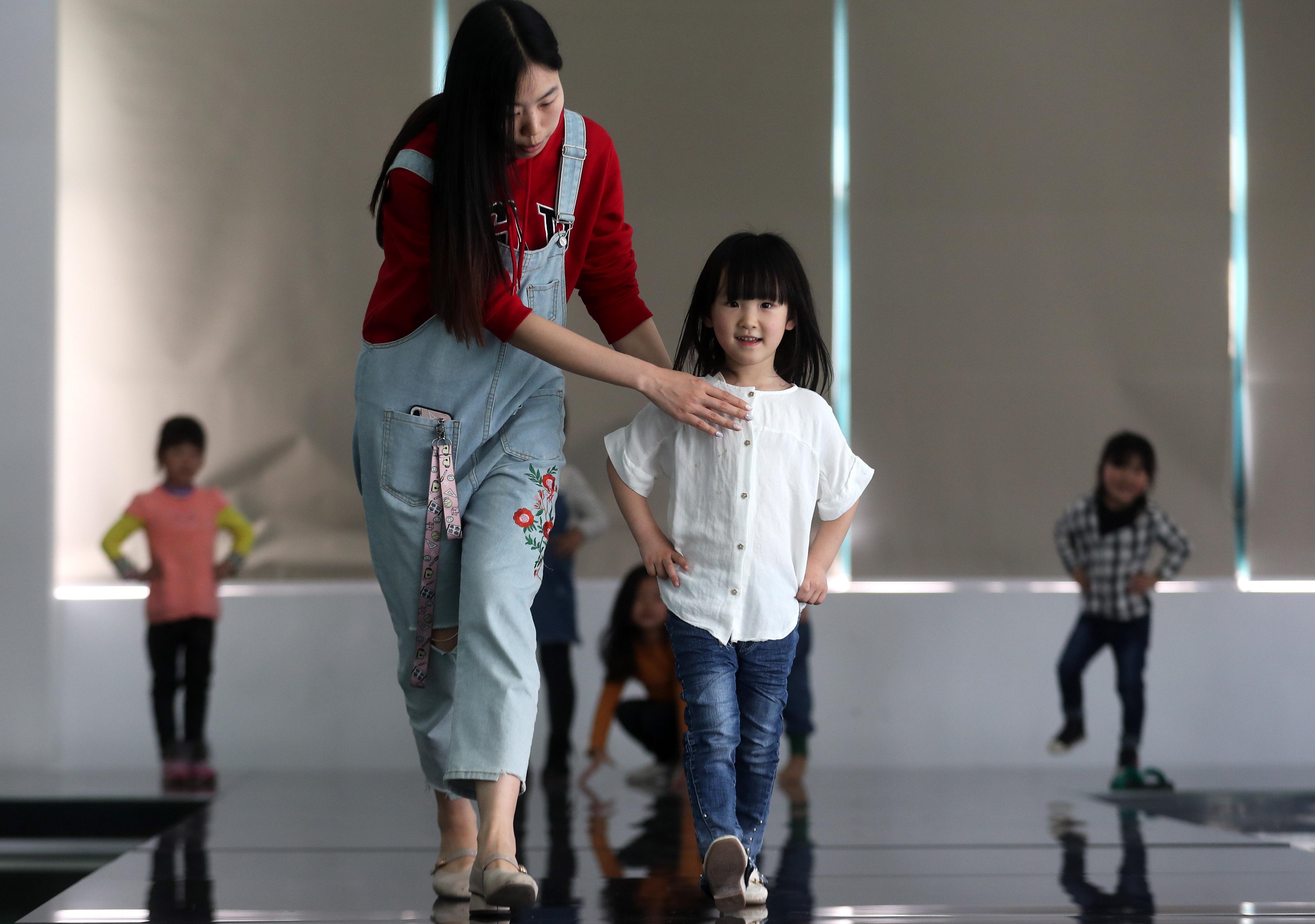 湖州:织里童模行业增速飞快